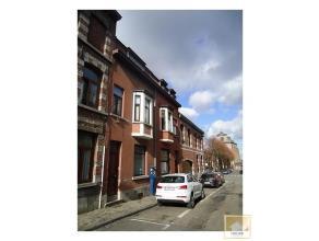 Chaleureuse et confortable maison dans le coeur de la Ville de Mons (intra-muros) à proximité du Parc, de l'université, des &eacu