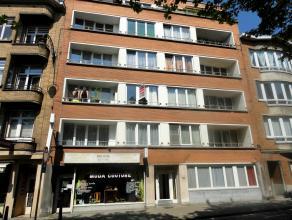 Situé à 50m de la Basilique, au 2ème étage d'un petit immeuble, superbe appartement en très bon état de +/-