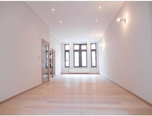 Huis te koop in schaarbeek for Century 21 miroir jette