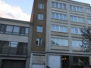LAEKEN (réf. 8246) A deux pas de l'Atomium et du Stade Roi Baudoin, agréable appartement de 2 chambres se composant d'un vaste hall d'en