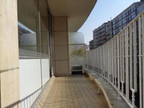 KOEKELBERG (réf. 8361) Avenue de la Basilique, au 4ème étage , superbe appartement 2 chambres composé d'un hall d'entr&eac