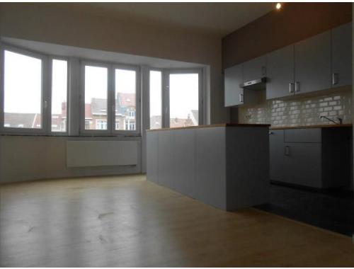 Appartement te huur in jette 690 eip3b for Century 21 miroir jette