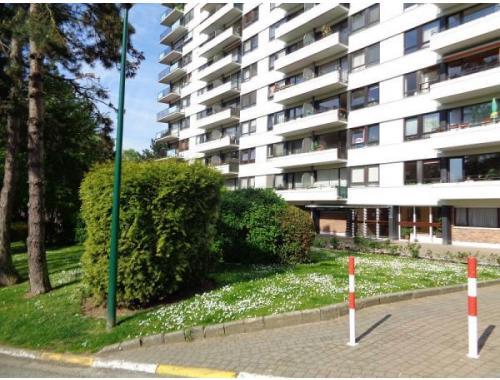 Appartement louer jette 850 ejv48 for Century 21 miroir jette