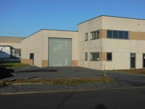 Superbe bâtiment industriel avec bureau construit en 2000 ... A Herseaux, facile d'accès et proche des grands axes ... 432 m2 bâtis