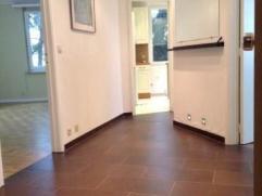 QUARTIER BRUGMANN - Appartement rÃÂnovàde +/-85m² + balcon de +/-2m². Composàd'un g