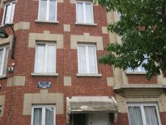 BERCHEM STE AGATHE - Proximité Place Schweitzer, accès direct aux transports et commerces - appartement 1 chambre - 60 m² habitable