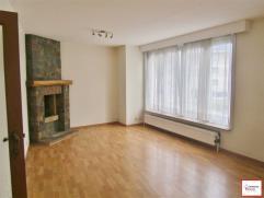 Berchem-Sainte-Agathe. Très bel appartement 2 chambres de 80m² habitables, dans un quartier vert et calme comprenant : 2ème &eacute