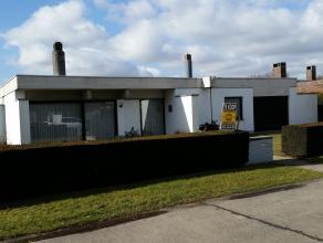 UNIEKE AANBIEDING!!!!! Deze perfect onderhouden villa(bungalow), op een perceel van 9a65ca, bevindt zich in een rustige residentiële woonwijk op