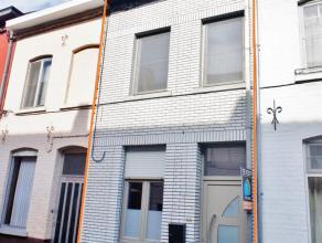 VOOR DE SNELLE BESLISSERS!!!! Interessante, deels gerenoveerde woning gelegen in een rustige straat nabij het centrum en de belangrijke invalswegen na