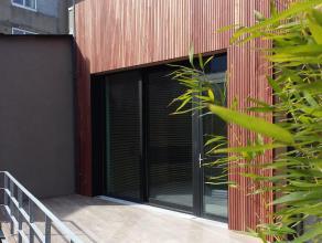 Unique Loft neuf, 135 m² sis au calme en arrière maison. Prestations haut-de-gamme, séjour lumineux avec cuisine ouverte hyper-&eac