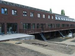 Nieuwbouwwoningen centrum Wetteren Gelegen te Stationsstraat 28 De 10 woningen zijn volledig afgewerkt.> Living-woonkamer, 3 slaapkamers, luxe-badk