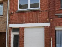 Rijwoning centrum Wetteren In de COLLEGIEBAAN 126 is deze WONING in het centrum van Wetteren, te vinden voor een huurprijs van 550EUR/Maand. Indeling: