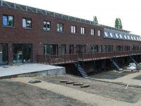Nieuwbouwwoning centrum Wetteren Nieuwbouw dd. 2014 Gelegen te Stationsstraat 28 bus E in Wetteren De woningen zijn afgewerkt, living-woonkamer, 3 sla