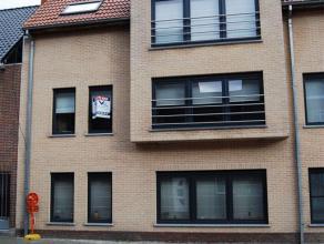 Appartement 1ste verdieping Wetteren Appartement op de 1ste verdieping, ingang Baerdonckstraat 1.12, op hoek met Kapellendries (splitsing Laarne-Kalke