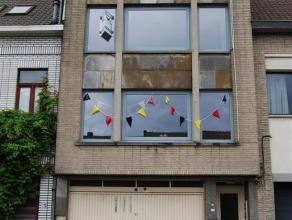 Appartement 2de verdieping Wetteren Op de grote boulevard of JAN BROECKAERTLAAN 20 bus 21 te Wetteren bevindt zich op de 2de verdieping (bus 21) dit p