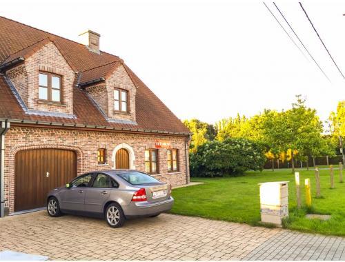 Huis te huur in wetteren f2kw9 van der for Van der meer makelaars