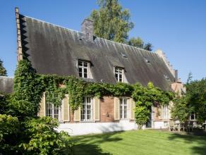 Hof ter Elst, gelegen op het einde van een doodlopende straat en palende aan agrarisch gebied met prachtig uitzicht.De woning werd in 2009 gerenoveerd