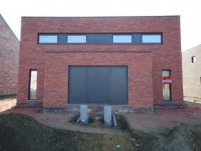 Moderne half-open bebouwing van 150 m² met 3 slaapkamers (Lot 5 rechts). In opbouw langs de Buitingstraat te Paal-Beringen op 4a46ca. Gelijkvloer