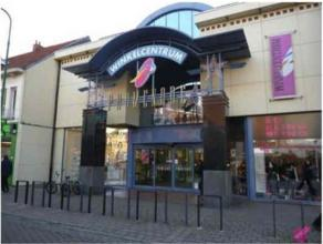 Description LocationCommercial unit located in the shopping center Promenade in Kapellen. Neighbouring retailersVeritas, H&M, Mobistar, Cassis, Pa