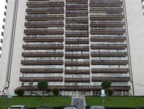 Volledig gerenoveerd ruim appartement gelegen op de zevende verdieping van het Herkenrodesingel,op de grote ring van Hasselt. Het appartement is zowel
