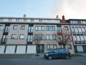 Appartement op rustige ligging, maar toch op wandelafstand van de Markt (centrum). Het appartement heeft volgende indeling: inkomhal, living, keuken,