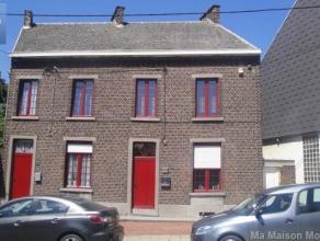A Lodelinsart, belle maison dans un cartier calme, comprenenant au rez-de- chaussée: salon, séjour, cuisine équipée, salle