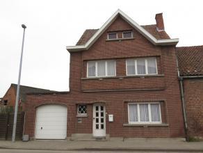 Mooi, goed gelegen woonhuis in het hartje van Oudegem. Hoewel het te renoveren is biedt deze charmante woning tal van perspectieven. Prijs inclusief h