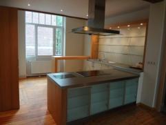 A la recherche d'une collocation de 4 personnes, très belle maison Bruxelloise, située sur la commune de Schaerbeek, à proximit&e