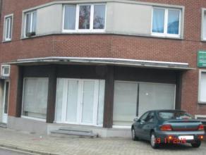 STROMBEEK-BEVER : A proximité du quartier commercial Mutsaerd/De Wand et à 5 minutes du ring de Bruxelles, beau rez-de-chaussée d
