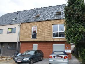 INSTAPKLAAR DUPLEX-APPARTEMENT TE BILZEN  Slechts enkele straten verwijderd van het centrum van Bilzen, bevindt zich dit duplex-appartement op de So