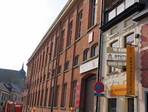 Uiterst gunstig gelegen handelszaak met woonst. Deze woning situeert zich in het centrum van het charmante Diest en bovendien vlak naast de scholengro