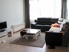In het hartje van het charmante Diest vindt u dit appartement met twee slaapkamers en terras. Winkels, horeca, sportfaciliteiten, scholen, ... liggen