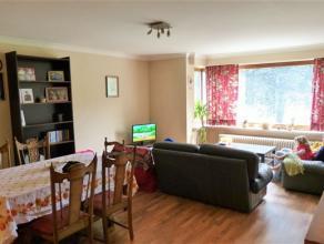 Appartement te koop op een TOP-LOCATIE in het bruisend centrum van Gent. Grote leefruimte (46m²) met nieuwe laminaat, een leuke speelhoek voor ev