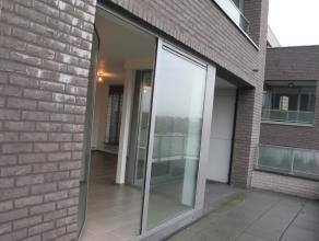 Centraal gelegen hoekappartement te Tielt. Deze nieuwbouwresidentie werd opgericht in 2013 en beschikt over de meest moderne faciliteiten.   107m&su
