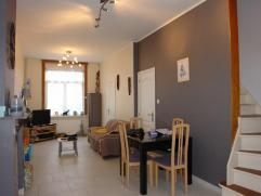 REZ: hall d'entrée, WC séparé, séjour très lumineux composé d'un salon et d'une salle à manger, cuisi