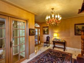 Deze prachtige villa is gelegen langsheen de Gensteweg te Beveren. Mede omwille van de ligging biedt de villa, naast het fantastische wooncomfort,vele