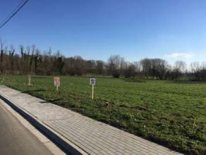 Située à 7 min de la E42 et du centre de Hannut, maison neuve 3 faç sur terrain de +/- 7 ares avec vue dégagée sur