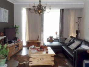 Goedgelegen 2slaapkamer appartement op boogscheut van Gent centrum! Dit opgefrist appartement geniet van een uitstekende ligging! Indeling: inkomhal,