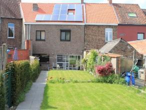 Energiezuinige ruime woning op een boogscheut van het centrum! Gelegen op een boogscheut van het centrum vinden we deze ruime woning, voorzien van zon