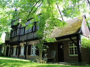 """Deze prachtige woning, gekend als """"De Gildekamer"""", is gelegen in het groene Bornemse gehucht Buitenland. De totale perceel oppervlakte bedraagt ca. 31"""