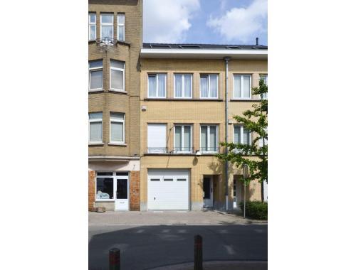 Maison vendre woluwe saint lambert dekzc clc immo for Adresse maison communale woluwe saint lambert