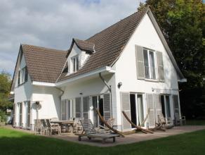 Dans le quartier très prisé du Faubourg, à Waterloo, au grand calme, spacieuse villa de +/- 280m2 bâtis sur un terrain de +