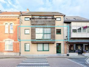 Appartement agréablement aménagé, proche des axes principaux, transports publics et commodités. Il se compose dun hall den