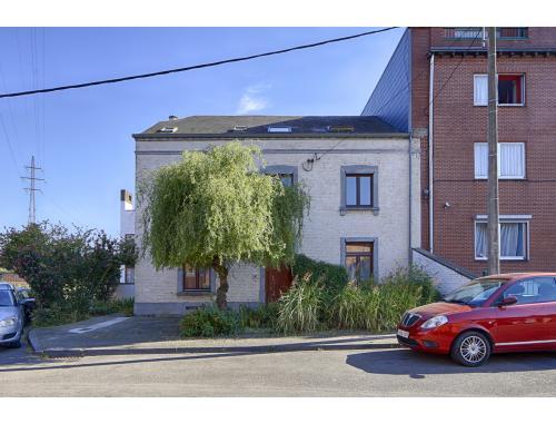 Woning te koop in Namur, € 270.000