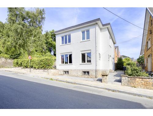 Woning te koop in Namur, € 250.000