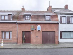 Maison située au calme absolu, sur +/- 470m², composée d?un séjour comprenant un salon et une salle à manger avec coi