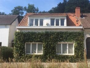 Charmante petite maison 3 façades à Uccle (limite Linkebeek). vue campagnarde! (idéal pour célibataire ou couple!) -Rez (p