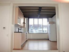 Superbe appartement MEUBL, composé de trois pièces en enfilade, une cuisine américaine entièrement équipée (