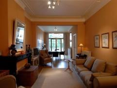 BASILIQUE Superbe appartement meublé 85m² à proximité du métro et du centre: salon (40m²), cuisine super &eacute