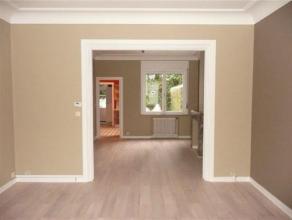 UCCLE//ST JOB: Superbe maison entièrement remise à neuf de (+-210m²): Salon, salle à manger, cuisine équipée,